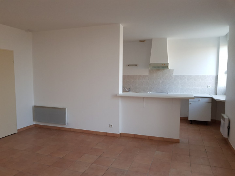Rental house / villa Saint-morillon 650€ CC - Picture 5