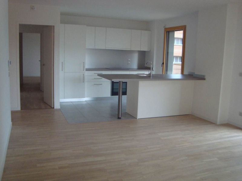 Rental apartment Annemasse 1 388€ CC - Picture 3