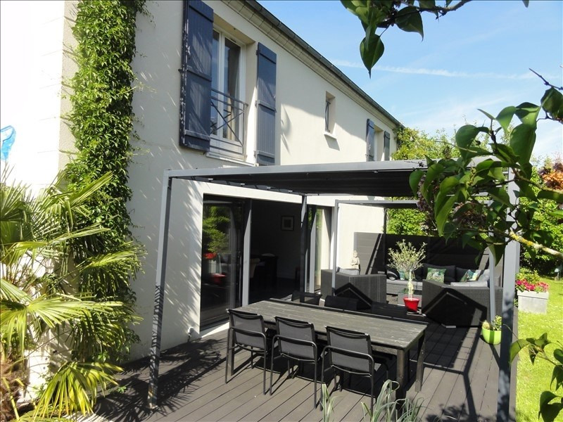 Deluxe sale house / villa Montfort l amaury 799000€ - Picture 2