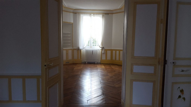 Location appartement Saint germain en laye 1 900€ CC - Photo 4