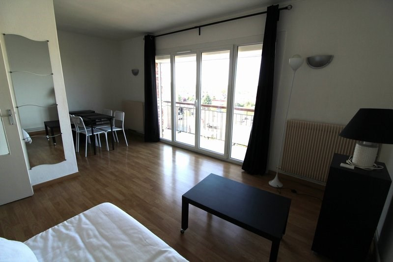 Rental apartment Maurepas 690€ CC - Picture 3