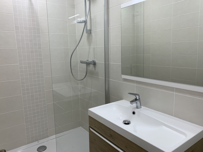 Location appartement Paris 17ème 4 186€ CC - Photo 7