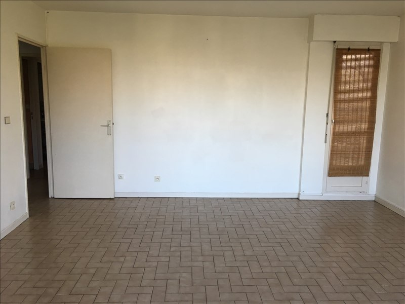 Location appartement Nimes 575€ CC - Photo 3