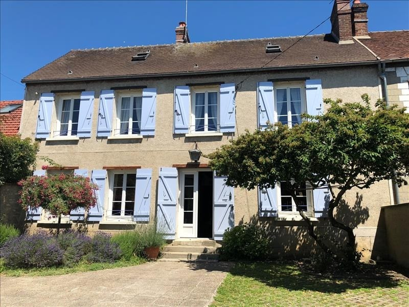 Sale house / villa Chambly 355000€ - Picture 1