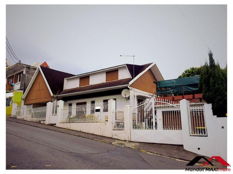 Maison Le Tampon 8-9 pièce (s) 200 m²