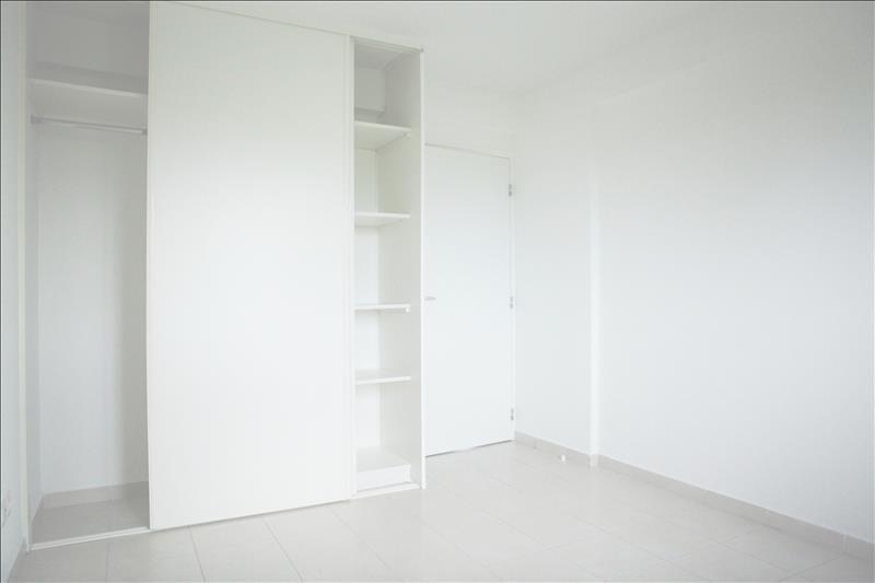 Sale apartment Le moule 169000€ - Picture 3