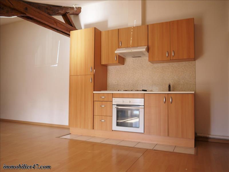 Rental apartment Castelmoron sur lot 390€ CC - Picture 3
