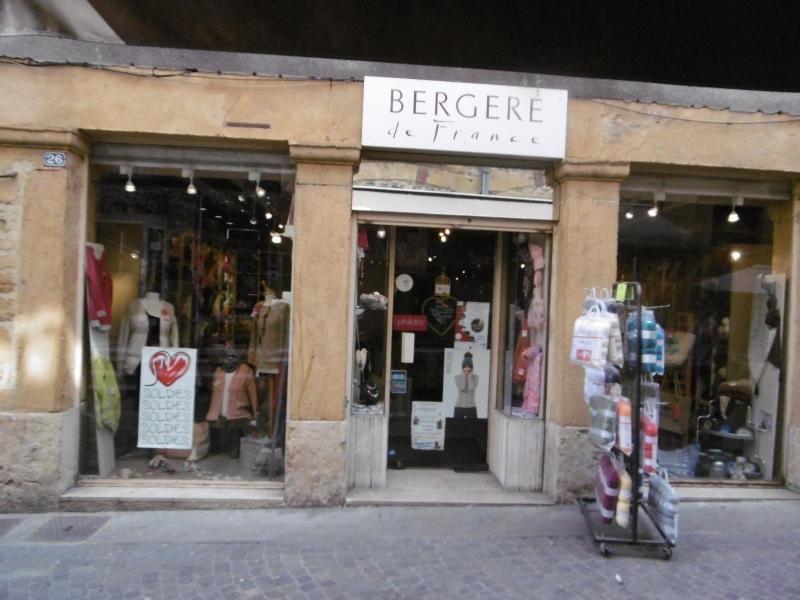 Location boutique L arbresle 807€ CC - Photo 1