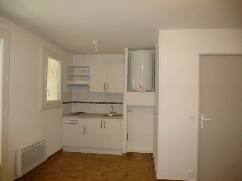 Rental apartment Nimes 385€ CC - Picture 2