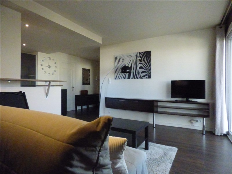 Rental apartment Annecy 830€ CC - Picture 2