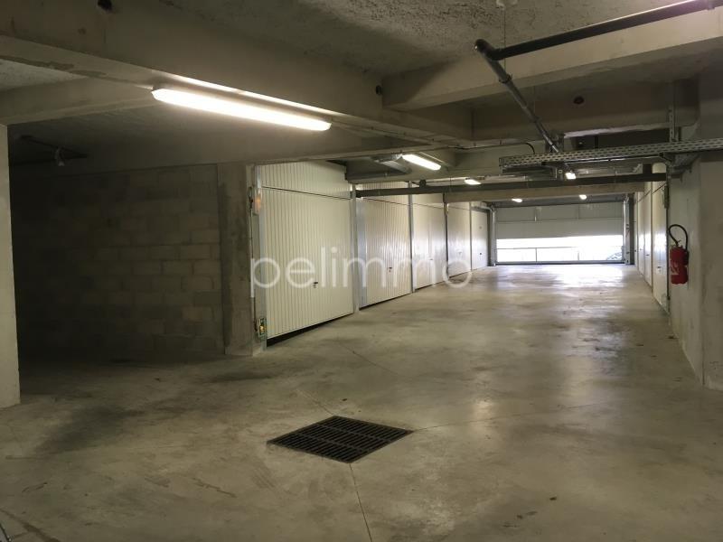 Rental parking spaces Pelissanne 70€ CC - Picture 2