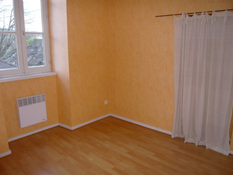 Location appartement Cremieu 495€ CC - Photo 4