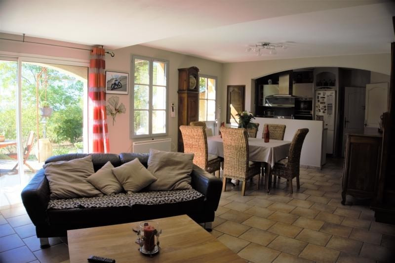 Sale house / villa Malemort du comtat 395000€ - Picture 3