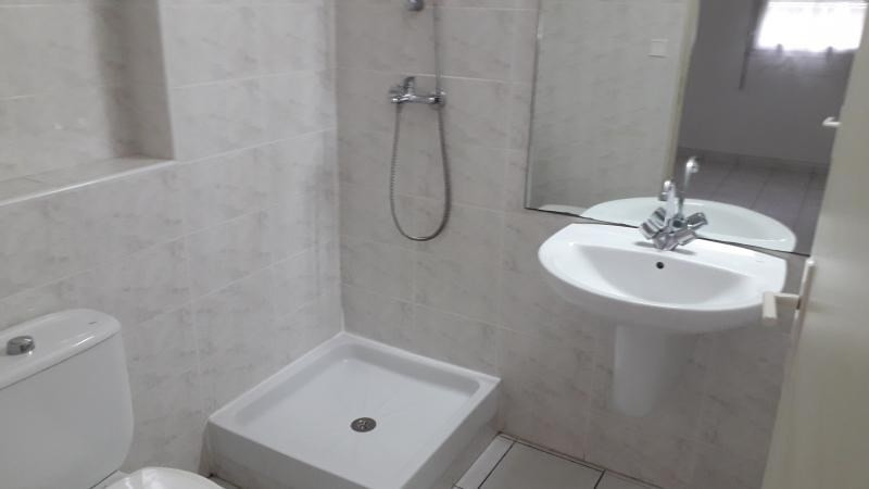 Rental apartment St denis camelias 1 050€ CC - Picture 7