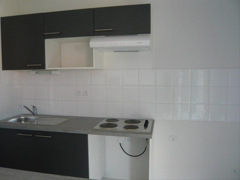 Rental apartment St lys 503€ CC - Picture 2