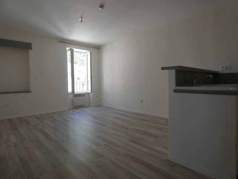 Rental apartment Le teil 390€ CC - Picture 1