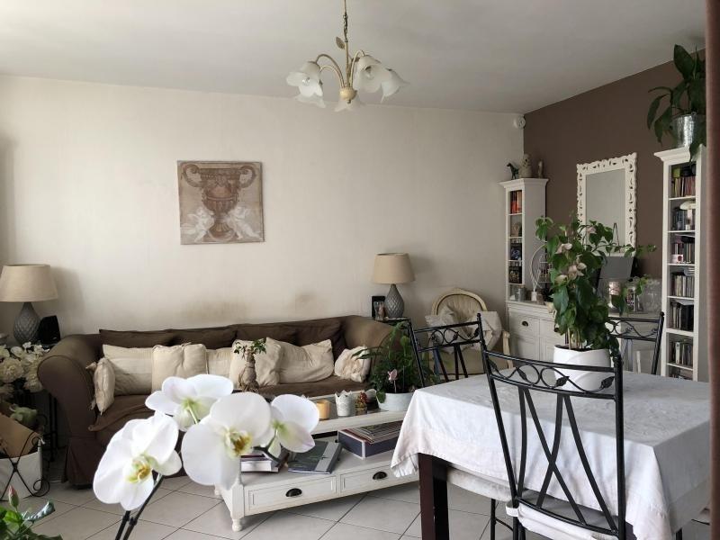 Sale apartment Le plessis bouchard 215000€ - Picture 2