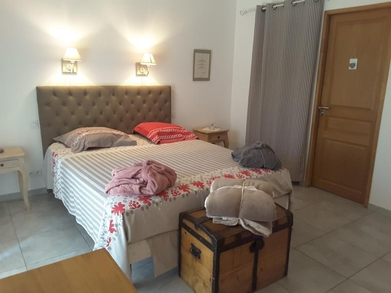 Rental house / villa St maximin 2 350€ CC - Picture 5