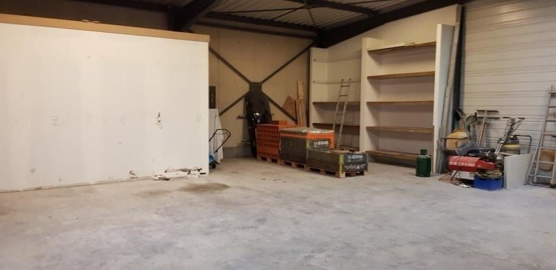 Location local commercial Izernore 1000€ HT/HC - Photo 4