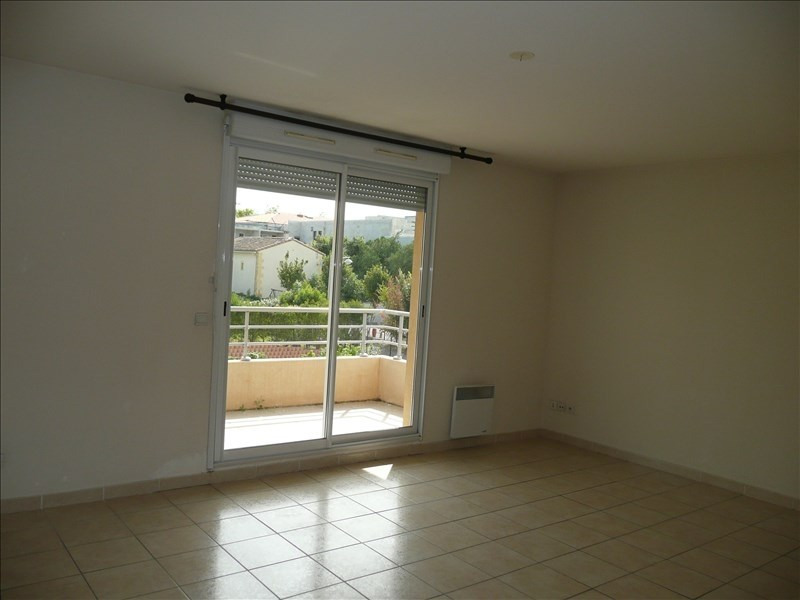 Location appartement Salon de provence 866€ CC - Photo 3