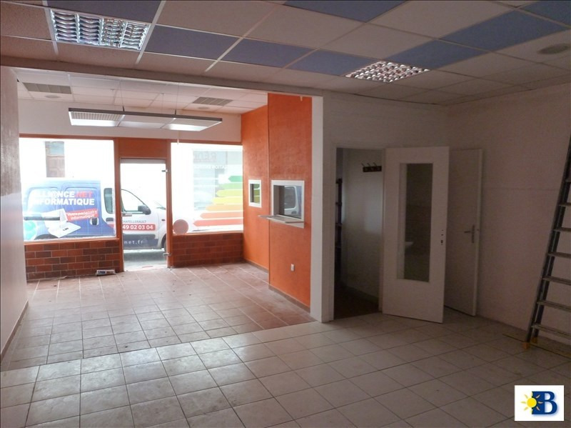 Location local commercial Chatellerault 600€ HT/HC - Photo 1