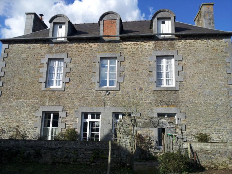 Sale house / villa Saint pierre de plesguen 417300€ - Picture 1