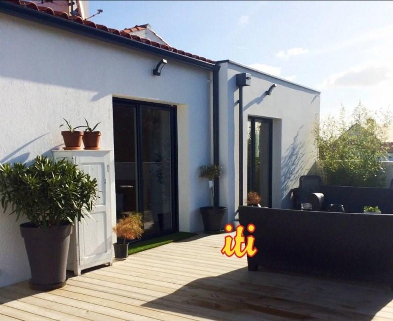 Deluxe sale house / villa Chateau d'olonne 560000€ - Picture 1