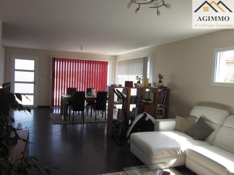 Sale house / villa L isle jourdain 275 000€ - Picture 3