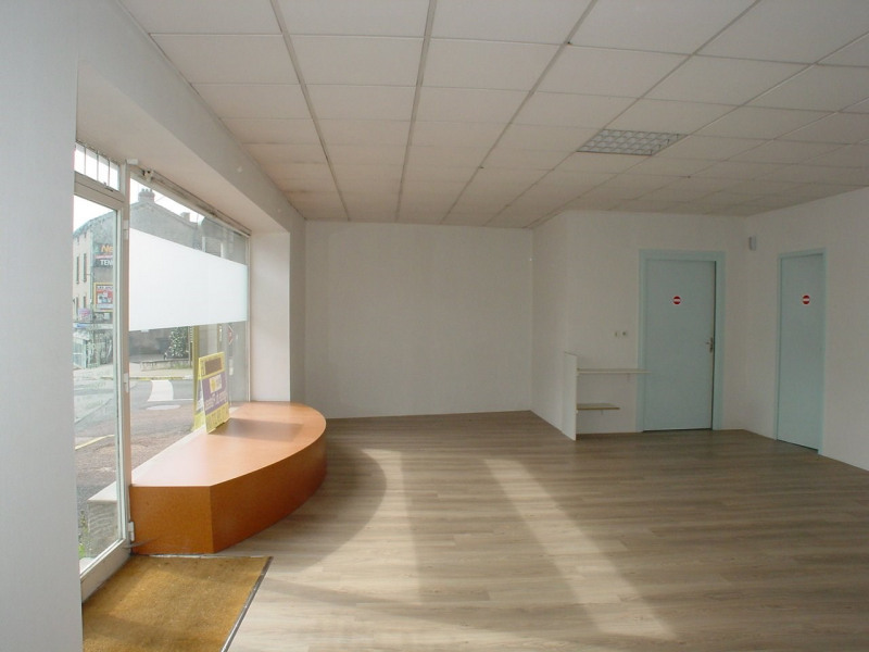 Rental empty room/storage Montfaucon en velay 350€ CC - Picture 2