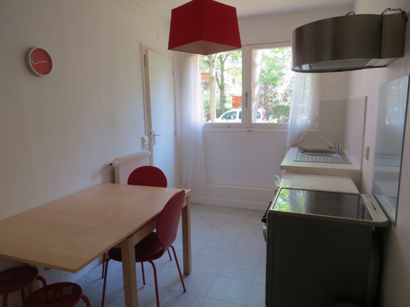 Rental apartment Maisons laffitte 950€ CC - Picture 2
