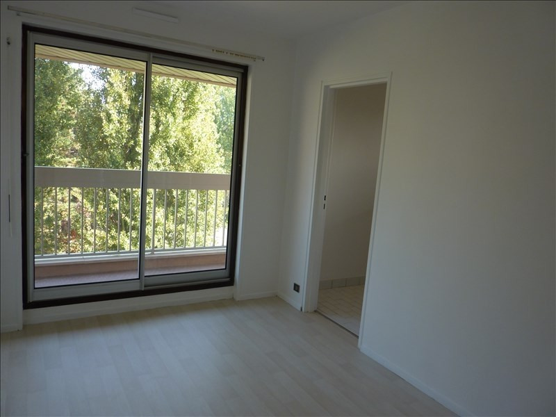 Location appartement Verrieres le buisson 1420€ CC - Photo 3