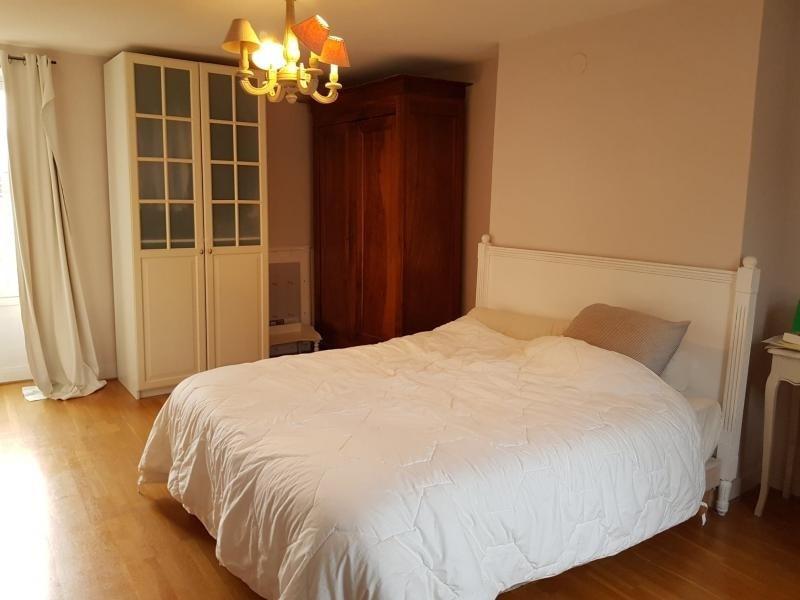 Sale house / villa Montfort l amaury 449000€ - Picture 4