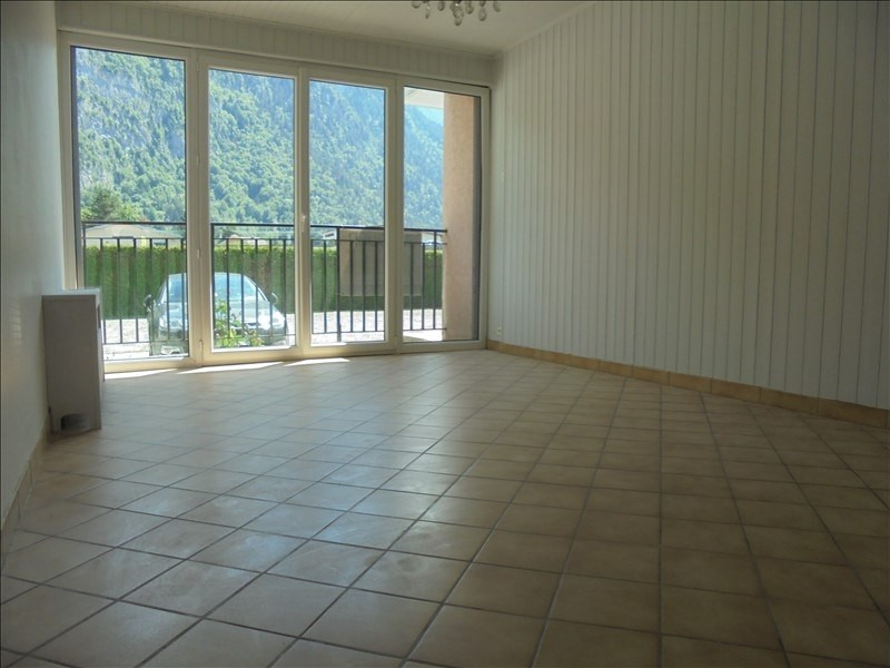 Location appartement Cluses 750€ CC - Photo 2