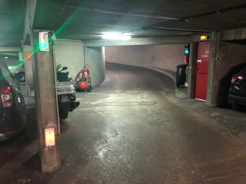Location parking Paris 3ème 200€ CC - Photo 4