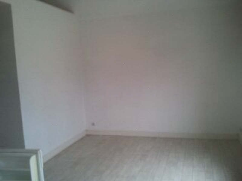 Location appartement Vert le grand 543€ CC - Photo 2