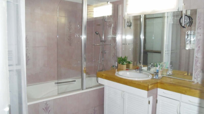 Sale house / villa Lesigny 305000€ - Picture 8