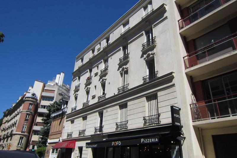 Rental apartment Paris 16ème 564€ CC - Picture 1