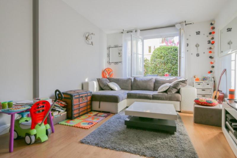 Sale apartment Lyon 8ème 313900€ - Picture 3