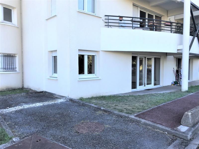 Location appartement Villenave-d'ornon 680€ CC - Photo 1