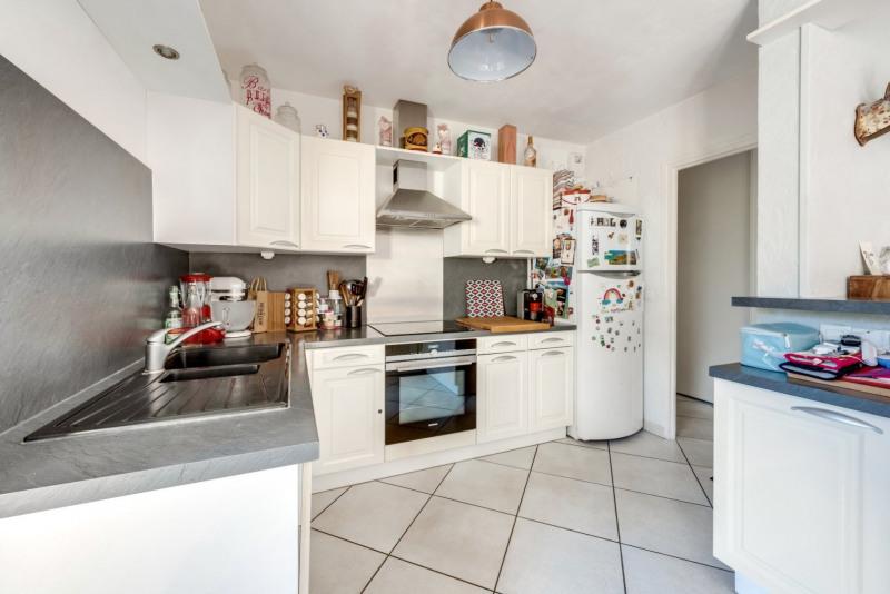 Sale apartment Tassin la demi lune 329000€ - Picture 3