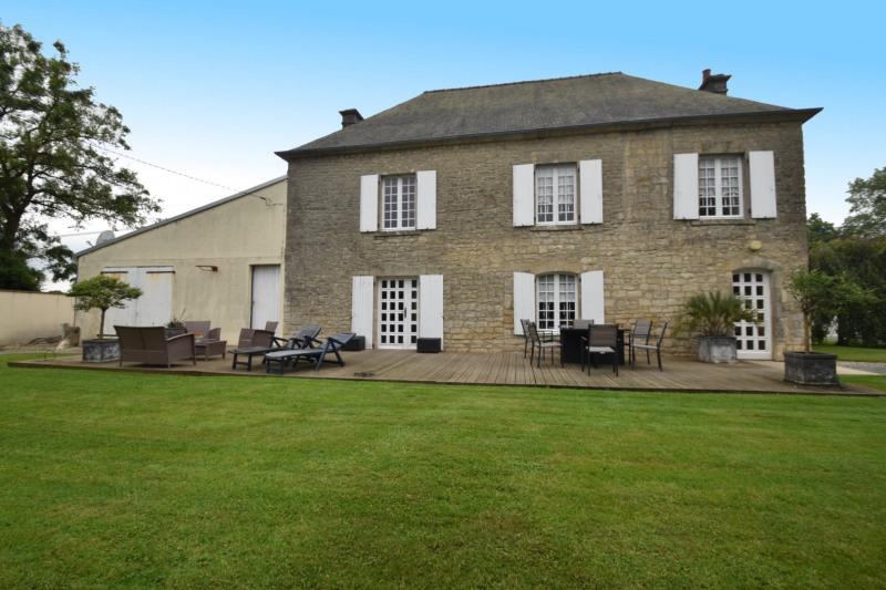 Sale house / villa Valognes 244000€ - Picture 1