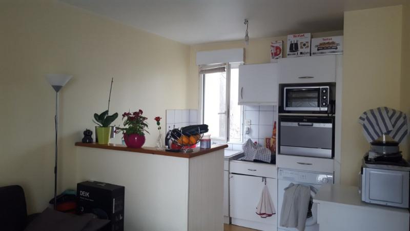 Rental apartment Quimperle 340€ CC - Picture 2