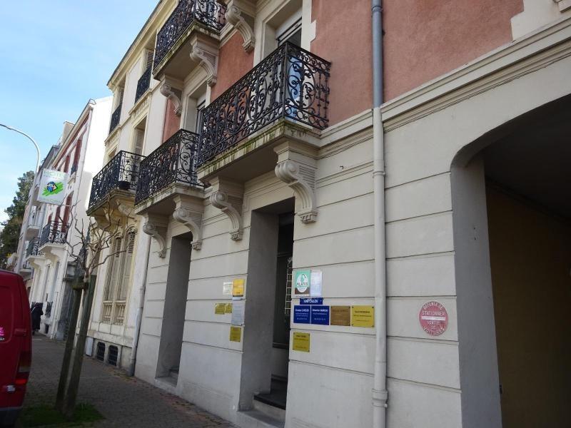 Location boutique Vichy 650€ CC - Photo 1