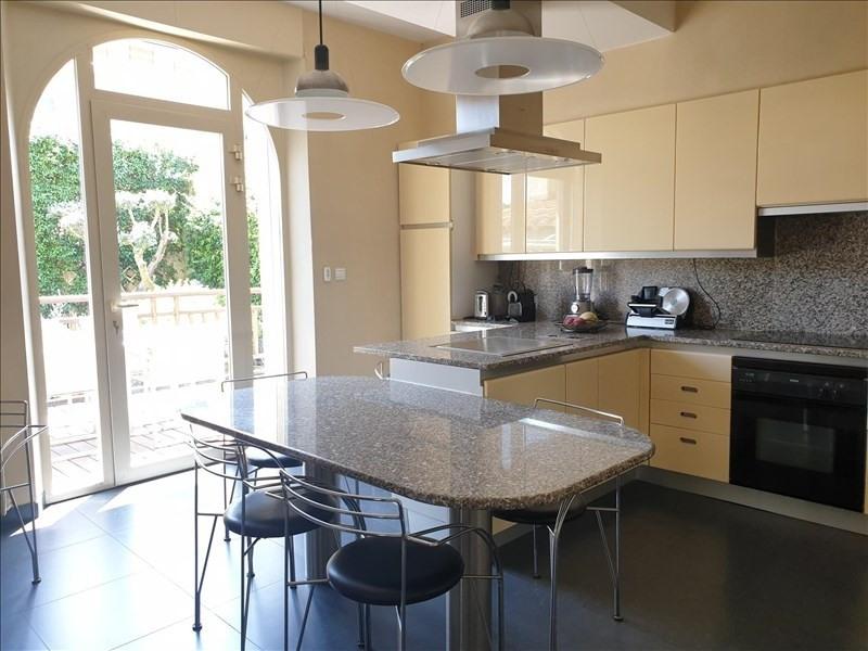 Deluxe sale house / villa Villemoustaussou 430000€ - Picture 6