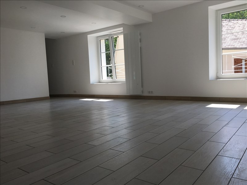 Location appartement Etrepilly 895€ CC - Photo 5