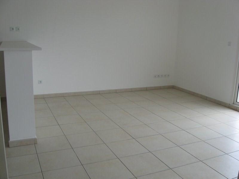 Location appartement Ste clotilde 550€ CC - Photo 1