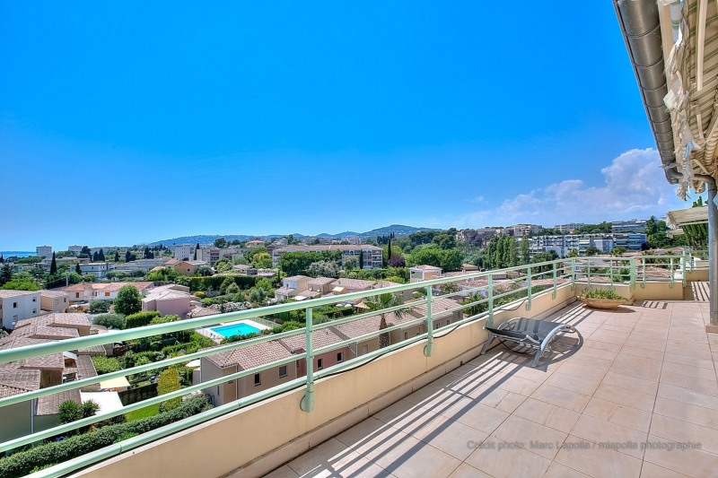 Rental apartment Antibes 2 500€ CC - Picture 2