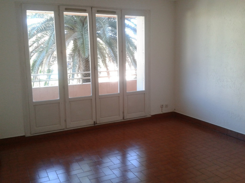 Rental apartment Saint-raphaël 700€ CC - Picture 1