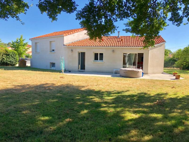 Sale house / villa Saint andre de la marche 252920€ - Picture 1