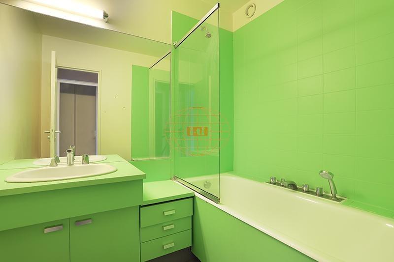 Sale apartment Courbevoie 655000€ - Picture 9